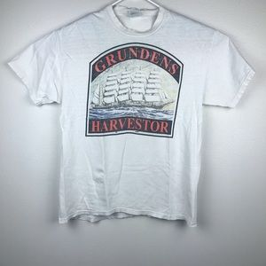 Vintage Grundens Harvestor Fishing Men's T-Shirt